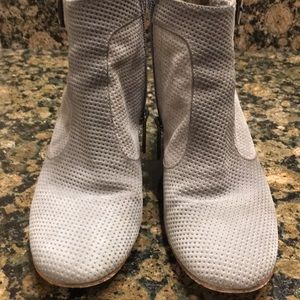 Aquatalia Gray Suede Ankle Boots Size 6